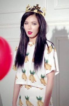 Hyuna red straight hair