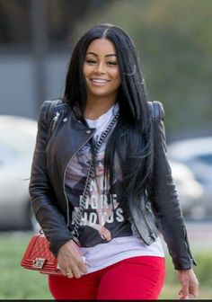 Pinterest : @10jolie Blac Chyna looks stunning!  I absolutely love her hairstyle & actually her whole outfit.  I want to get my hair styled like this!! #blacchyna #hairstyle #longlayers Pinterest : @10jolie