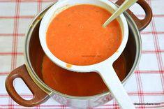Supă cremă de roșii coapte cu crutoane cu parmezan sau de post | Savori Urbane Parmezan, Thai Red Curry, Urban, Ethnic Recipes, Food, Celery, Essen, Meals, Yemek