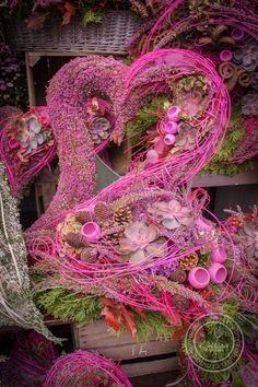 Kolekce | Kolekce dušičky 2016 | Květiny Petr Matuška Brno - dekorace, floristika, řezané květiny, svatební kytice Halloween Flowers, Valentine Wreath, Grapevine Wreath, Funeral, Grape Vines, Flower Art, Floral Arrangements, Greenery, Floral Wreath