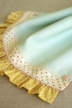 ♥ a beautiful way to finish a tea towel or a baby blanket @ DIY Home Cuteness