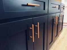 Kitchen Blue Copper Spaces 28 Ideas For 2019 Dark Blue Kitchen Cabinets, Dark Blue Kitchens, Dark Brown Cabinets, Navy Kitchen, Kitchen Cabinet Colors, Kitchen Redo, Copper Bathroom, Copper Kitchen, Navy And Copper