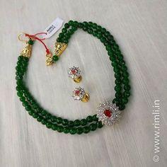 A bottle green beaded choker with zircon findings. Gold Jewellery Design, Bead Jewellery, Beaded Jewelry, Emerald Jewelry, Gold Jewelry, Emerald Necklace, Simple Jewelry, Jewelry Shop, Jewelry Making