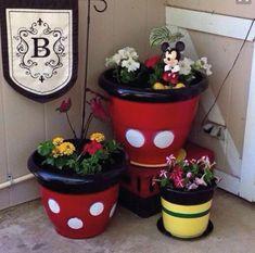 Mickey Mouse, Disney outdoor decor disney home decor Casa Disney, Disney Diy, Disney Crafts, Disney House, Disney Magic, Mickey Minnie Mouse, Disney Mickey, Disney Theme, Mickey Mouse Bathroom
