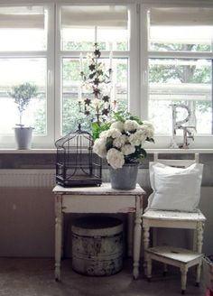 Living Room Chalk Painted, Chippy, Shabby Chic, Whitewashed, Cottage, French Country, Rustic, Swedish decor Idea.. ***Pinned by oldattic ***.