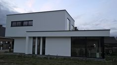 Witte crepi in houtskeletbouw door sito-architecten en vdk-projects
