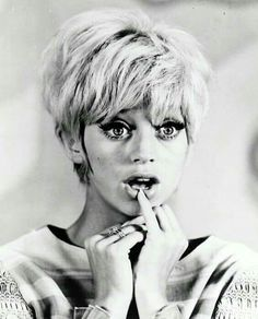 Short Hairstyles For Females Picture 1960s Hair Goldie Hawn Design ...