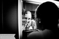Als Hochzeitsfotograf biete wir euch gefühlvolle Hochzeitsreportagen und natürliche Hochzeitsportraits. Polaroid Film, Creative
