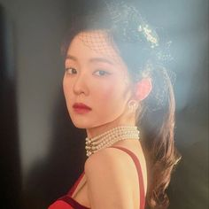 Red Velvet's Irene, Wendy, and Yeri are stunning in red in individual teaser images for their upcoming concert 'La Rouge'. Kpop Girl Groups, Korean Girl Groups, Kpop Girls, Seulgi, Red Velvet Irene, Kpop Aesthetic, Emma Stone, Boys Over Flowers, Amber Heard