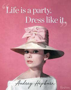 12 Audrey Hepburn quotes that never (ever) grow old – fashion quotes inspirational Hat Quotes, Dress Quotes, Girl Quotes, Style Quotes, Quotes About Dresses, Quotes About Clothes, Quotes About Hair, Super Woman Quotes, Quotes Quotes