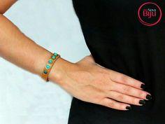 A  brisa  que  bate  e nos faz  flutuar... 🍃🌿 Pulseira de couro legítimo na cor marrom telha  com  pedra turquesa, combinação de cor prefeita!  www.minhanovabiju.com.br  #minhanovabiju #acessoriosfemininos #acessorios #pulseirismo #mixdepulseiras #pulseiradecouro #courolegitimo #modafeminina #handmade #style #bijuterias #bijuteriasfinas #lojaonline #salvadorbahia #entregamosparatodobrasil