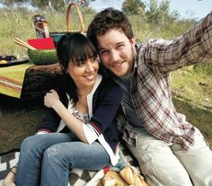 April & Andy Dwyer (portrayed by Aubrey Plaza & Chris Pratt) from Parks and Recreation