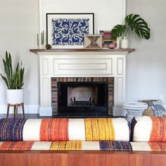 Textile Love - 15 Inspiring Fireplaces From Instagram - Photos