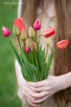 Some pretty tulips for you Karm ~ Hope they make you think of Spring ~ Hope your week is Special ~ Mary Anne <3 ~ 02~!5~16 ~