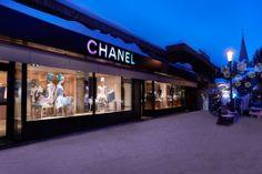 Le pop-up store Chanel à Courchevel http://www.vogue.fr/mode/news-mode/diaporama/le-pop-up-store-chanel-a-courchevel/11100#!2