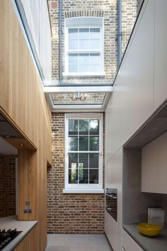 How to retain an existing window if you didn't want to have a courtyard (Scott Architects, house extension in Hackney)