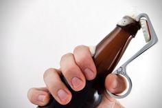 De 20 coolste bieropeners aller tijden - FHM.nl