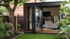 Self Built Garden Office. Build Garden Office From Scratch. Self Build Garden Office Uk. Home Build Garden Office. Garden Office Shed, Backyard Office, Backyard Studio, Futuristisches Design, Shed Design, House Design, Design Ideas, Garden Design, Small Buildings