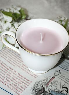 Candlemaking, I normally use hermeticboxes, but this teacup was so sweet!