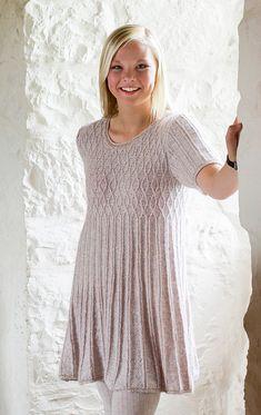 Ravelry: CAMELIA kjole pattern by Karihdesign Kari Hestnes H Design, Summer Blouses, Summer Diy, Ravelry, Short Sleeve Dresses, Tunic Tops, Knitting, Inspiration, Cardigans
