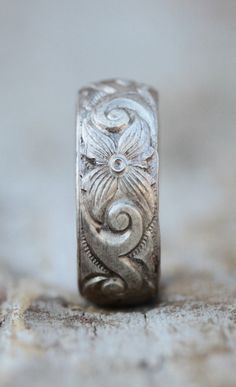 Etched floral ring #laidback