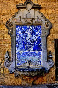 Un azulejo en Cordoba mostra Cristo Jesus. ¡Que bonita!