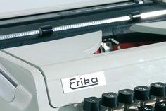 """Die Schreibmaschine """"Erika"""".  Copyright: DDR Museum, Berlin. Es ist keine kommerzielle Nutzung des Bildes erlaubt. But feel free to repin it!"""