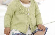 Kotilieden helpolla ohjeella neulot keväisen pirteän kukkaneuleen vauvallesi tai vaikka lahjaksi ystävälle. Voit tehdä myös useamman eri värissä!