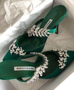 Fancy Shoes, Pretty Shoes, Beautiful Shoes, Cute Shoes, Me Too Shoes, Heeled Boots, Shoe Boots, Shoes Heels, Manolo Blahnik Heels