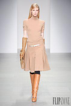 Daks Fall-winter 2014-2015 - Ready-to-Wear - http://www.flip-zone.net/fashion/ready-to-wear/fashion-houses-42/daks-4550 - ©PixelFormula