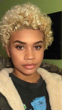 trendy Ideas for hair blonde styles bleach Short Sassy Hair, Short Hair Cuts, Short Hair Perms, Love Hair, Gorgeous Hair, Blonde Natural Hair, Blonde Curls, Curly Hair Styles, Natural Hair Styles