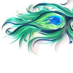 """<p>Les plumes sont un joli motif à travailler en Quilling comme en atteste Ashley Chiang sur son compte instagram <a title=""""paper liberated"""" href=""""https://instagram.com/paperliberated/"""" target=..."""