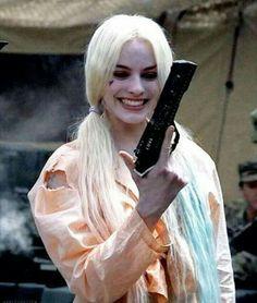 Harley Quinn(Margot Robbie) - Suicide Squad