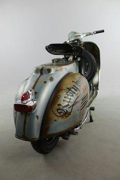 Vespa Vbb, Vespa Bike, Piaggio Vespa, Lambretta Scooter, Vespa Scooters, Scooter Scooter, Motor Cafe Racer, Scooter Garage, Moto Wallpapers
