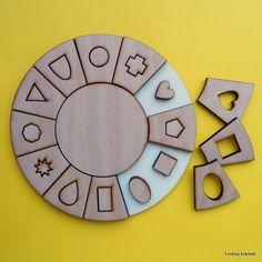 Kruhová vkládačka s různými tvary