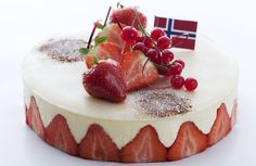 mai kake / May Cake for National Day May Celebrations, Norwegian Food, Norwegian Recipes, Cooking Contest, Scandinavian Food, Sweet And Salty, Something Sweet, Popular Recipes, Let Them Eat Cake
