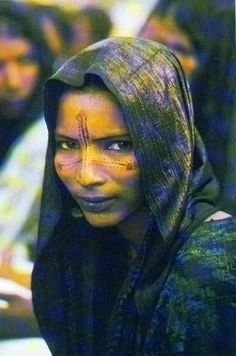 Africa | Tuareg Woman from Niger || Scanned postcard.