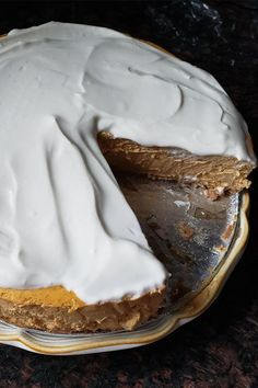 This pumpkin cheesecake recipe is an easy fall dessert recipe! Bake this delicious cheesecake using graham cracker crumbs, cinnamon, cream cheese, canned pumpkin, pumpkin pie spice, and vanilla. Your friends and family will love eating this rich and creamy cheesecake at a Halloween party or Thanksgiving dinner!