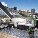 【遊び心の詰まったコンパクトスペース】屋外リビング的バルコニーのある最上階のメゾネットハウス