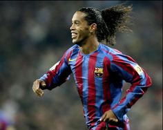 Ronaldinho World Football, Sports Stars, Fifa World Cup, Fc Barcelona, The Magicians, Club, Soccer, Sketch, Male Witch