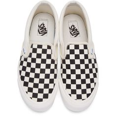 Vans Black and White OG Classic Slip-On Sneakers ($61) ❤ liked on Polyvore featuring shoes, sneakers, rubber sole shoes, pull on sneakers, slip on sneakers, slip-on sneakers and round cap