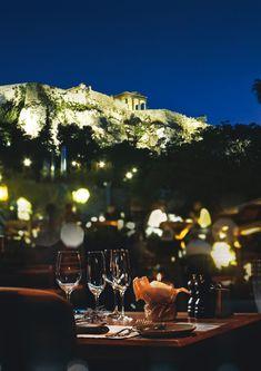Καταπράσινοι κήποι και ταράτσες με θέα για καφέ, ποτό και φαγητό στην Αθήνα | LiFO