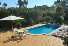 Beautiful villa with private pool, nice garden and parking, 6 km from Lloret de Mar