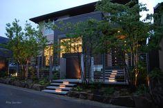 シャープな外構と、自然な植栽が織りなす、上質な空間(兵庫県)16