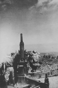 Italian 75-мм antiaircraft gun, North Africa WWII - pin by Paolo Marzioli