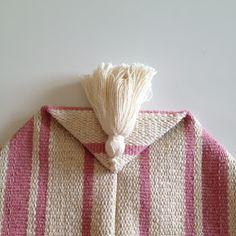 Diy Bags Patterns, Baby Dress Patterns, Tote Handbags, Purses And Handbags, Farmhouse Fabric, Macrame Patterns, Fabric Crafts, Tote Bag, Handmade