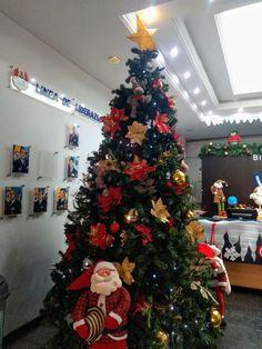 Christmas Tree, Holiday Decor, Home Decor, Colombia, Homemade Home Decor, Xmas Tree, Xmas Trees, Decoration Home, Christmas Trees