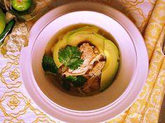 A Traditional Mexican Dish - Pozole Verde Recipe Best Avocado Recipes, Best Mexican Recipes, Great Recipes, Ethnic Recipes, Pozole Verde Recipe, Traditional Mexican Dishes, American Drinks, Latin Food, Latest Recipe