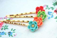 Pretty little flower bobby pins set of 4............ £9.00