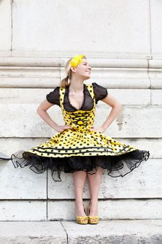 Exklusive Tracht - Marianne Kranz, München   Damentracht: Mieder, Röcke, Schürzen und Täschchen, Dirndl, Gehröcke, Jacken und Mäntel, Lederröcke und Blazer